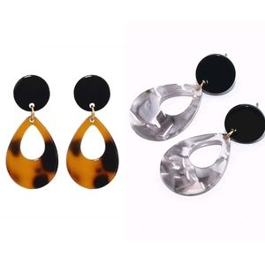 Jewelry - Acrylic Round Drop Leopard Print Earrings